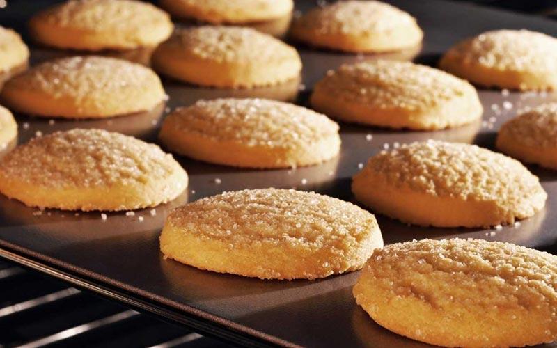adb92ca43458 печеньки. Халва. Халва считается подходящим лакомством для кормящей мамы.